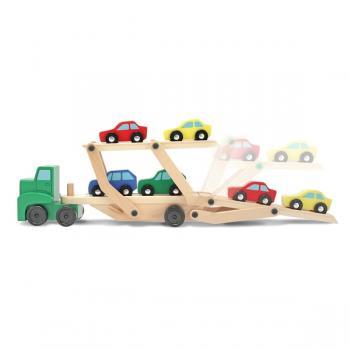 Medinis automobilinis transporteris su mašinėlėmis